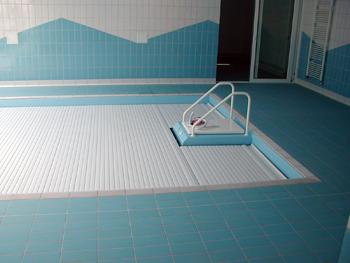 bazénová roleta úspora na bazénu